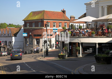 Cafe scene in the Hertfordshire market town of Bishop's Stortford. - Stock Photo