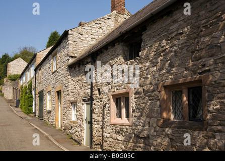 UK Derbyshire Peak District  Ashford in the Water Hill Cross Lane small renovated stone cottages - Stock Photo
