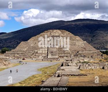 Pyramid of the Moon in Teotihuacan, Aztec civilization near Mexico City, Mexico, Central America - Stock Photo