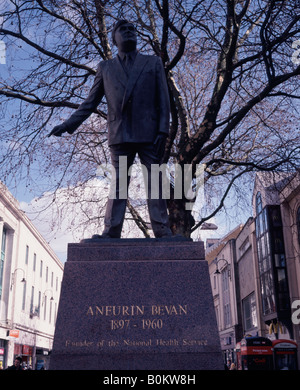 Statue of Aneurin or Nye Bevan founder of the UK National Health Service - NHS - Cardiff town centre Wales - Stock Photo