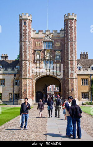 The west side of the Great gate, Trinity College. - Stock Photo