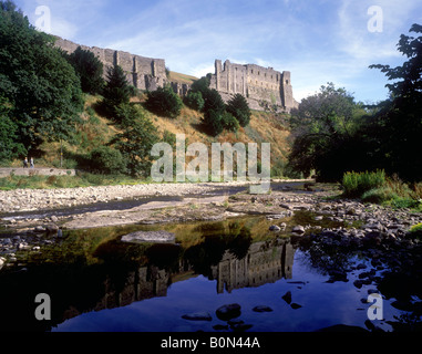 Yorkshire - Richmond Castle overlooking the River Swale - Stock Photo