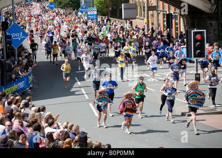 Manchester 10K Greatrun May 2008 on Deansgate under Bridgewater Viaduct - Stock Photo