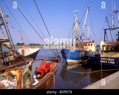 Moored fishing boats at king 39 s lynn norfolk england for Fishing kings free
