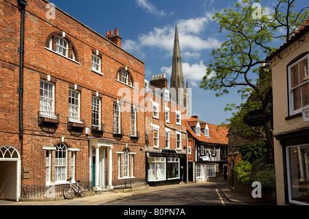 UK England Lincolnshire Grantham Vine Street St Wulframs church behind Vine House Georgian building - Stock Photo