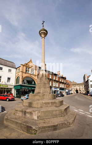 UK England Lincolnshire Grantham Market Square ancient Market Cross first erected by Grey Friars in 13th century - Stock Photo