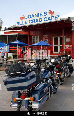 Joanie s Blue Crab Cafe along the Tamiami Trail of U S Highway 41 in the Florida Everglades - Stock Photo