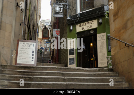 Halfway House, Fleshmarket Close, Edinburgh - Stock Photo