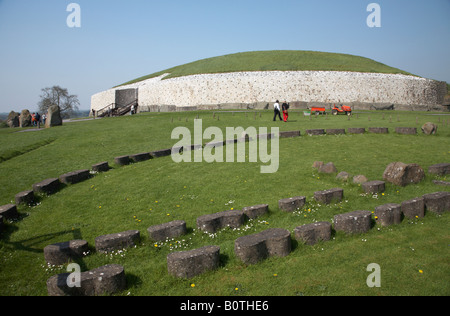 groundworks and outlines of additional buildings at newgrange , county meath , republic of Ireland - Stock Photo