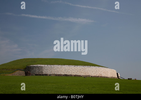 side view of newgrange megalithic passage tomb , county meath , republic of Ireland - Stock Photo