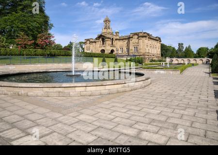 Cartwright Hall and Mughal Gardens, Bradford - Stock Photo