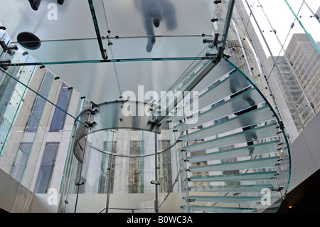 Glass cube entrance to the Apple Retail Store, Fifth Avenue, Manhattan, New York City, USA - Stock Photo