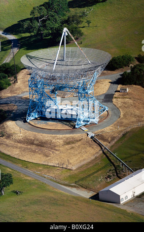 aerial above Stanford University radio telescope - Stock Photo