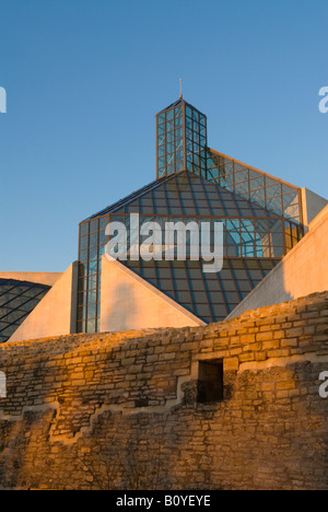 Muse dArt Moderne Grand-Duc Jean, Mudam with parts of the historic fortress Fort Thuengen, Luxembourg, Kirchberg - Stock Photo