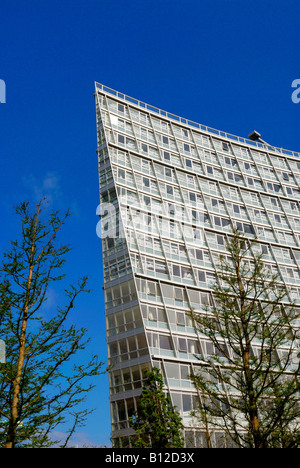 High density modern apartments on Liverpool waterfront. Liverpool One adjacent to the new shopping centre. - Stock Photo
