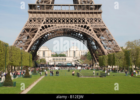Paris, Eiffel Tower with Palais de Chaillot and trocadero in background - Stock Photo