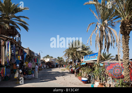 Shops and restaurants on Masbat seafront in Asilah, Dahab, Gulf of Aqaba, South Sinai, Red Sea Coast, Egypt - Stock Photo