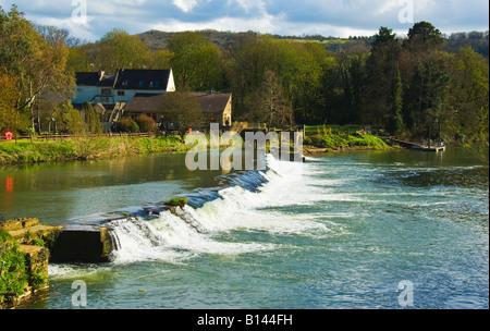 Weir on River Avon at Bathampton Mill near Bath Somerset England UK EU - Stock Photo