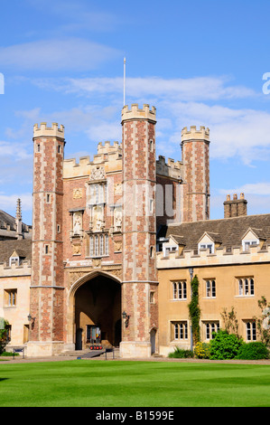 Trinity College Gatehouse, Cambridge, England UK - Stock Photo