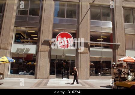 Circuit City electronics store in New York - Stock Photo