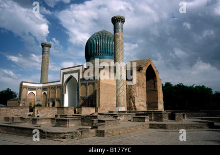 May 27, 2006 - Tomb of Timur (Tamerlane, 1336-1405) and his grandson Ulugh Beg (1394-1449) in the Uzbek city of - Stock Photo