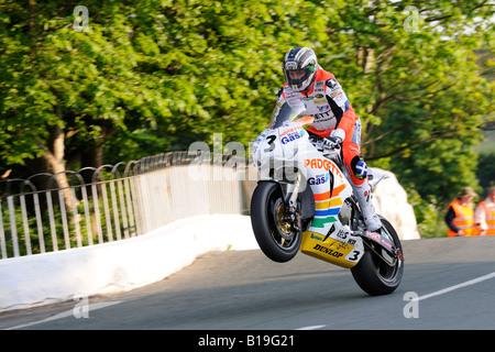 John McGuinness jumps Ballaugh Bridge TT2008 - Stock Photo