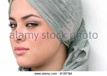 strang single muslim girls Qualities of muslim women a muslim woman is expected to fulfil her obligations to the five pillars of islamic faith just i'm single, caring , loving , trust.