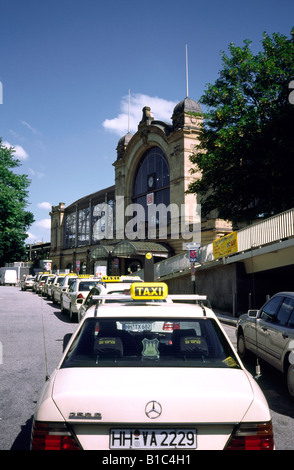 July 15, 2002 - Taxis queue for passengers outside Dammtor station in the German city of Hamburg. - Stock Photo