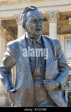 Statue of former Labour Prime Minister Harold Wilson outside the railway station, Huddersfield, West Yorkshire, - Stock Photo