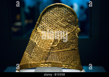 6th Century Silla Dynasty Golden Crown, Gyeongju National Museum, Busan, South Korea - Stock Photo