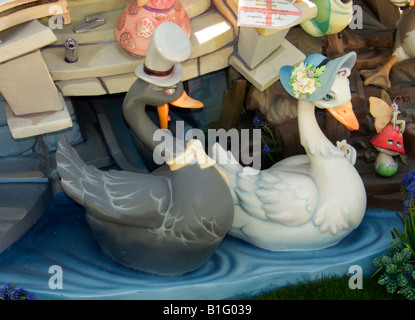 Swans courting at Children Falla, Valencia - Stock Photo
