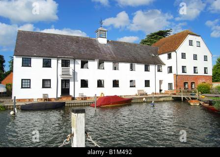 Hambleden Mill, Mill End Lock, Hambleden, Buckinghamshire, England, United Kingdom - Stock Photo