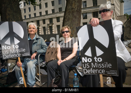 Veteran peace campaigner Pat Arrowsmith and CND Chair Kate Hudson support protest at building an American radar - Stock Photo