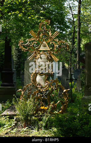 Wrought iron cross, Staudinger Grave, Alter Suedlicher Friedhof, Old Southern Churchyard, Isarvorstadt, Munich, - Stock Photo