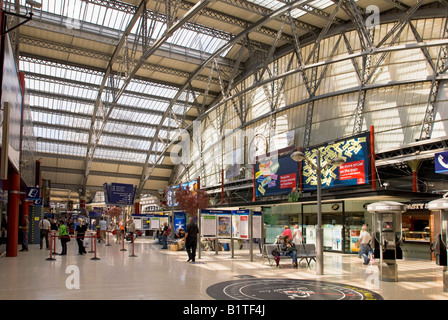 Liverpool Lime Street station main concourse on the Liverpool branch of the West Coast main line. - Stock Photo