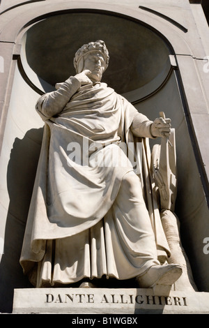 ITALY Tuscany Florence Statue of the poet and writer Dante Allighieri in the Vasari Corridor outside the Uffizi - Stock Photo