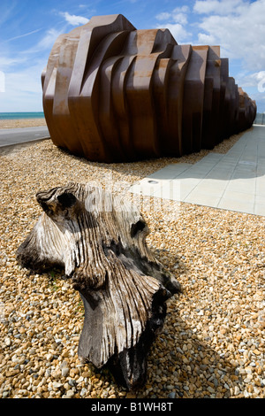 ENGLAND West Sussex Littlehampton Beach Rusted metal seafood restaurant by architect Thomas Heatherwick by promenade - Stock Photo
