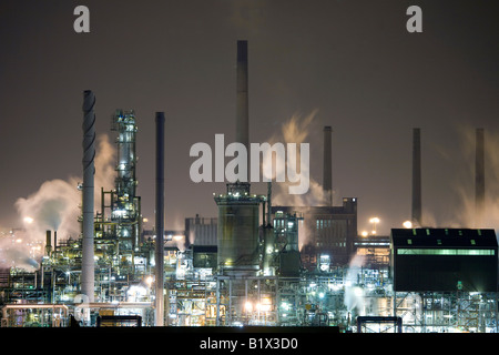 Night shot of smoke & steam emissions, at the former ICI Industrial Wilton plant at  Billingham, nr Middlesbrough, - Stock Photo