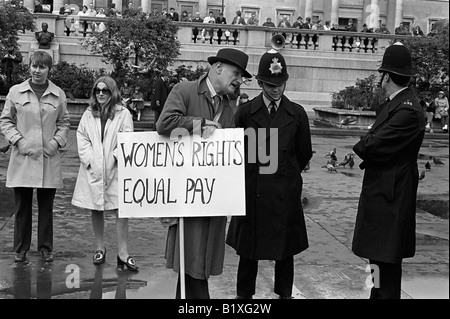 Women Rights for Equal Pay for Women, Rally, Trafalgar Square central London England 1968 1960s UK HOMER SYKES - Stock Photo