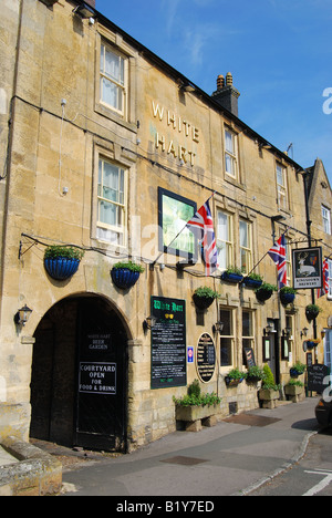The White Hart Inn, Market Square, Stow-on-the-Wold, Gloucestershire, England, United Kingdom - Stock Photo