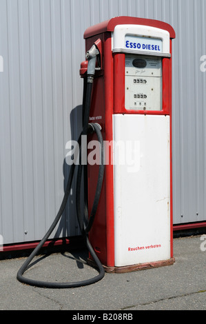 Alte Tanksäule gesehen in Deutschland Old petrol pump seen in Germany - Stock Photo