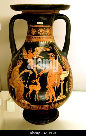 Apulian red figured Vases 350 BC Darius Underworld Taranto Patera Baltimore Canosa earthenware crockery pottery - Stock Photo