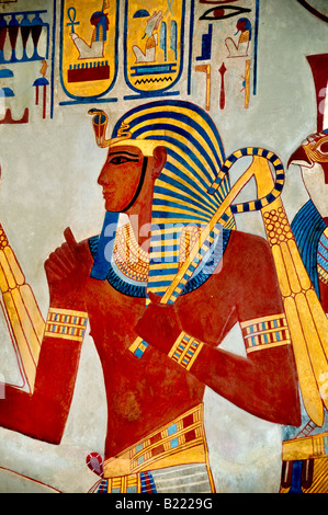 Cast of wall of tombs King Sety 1290 1279 King Merenptah meeting greeting the gods 1213 1204 replica by Joseph Bonomi - Stock Photo