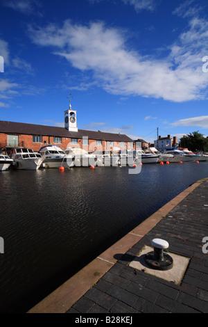 Stourport Yacht Club at Stourport Basin, Stourport on Severn, Worcestershire, England - Stock Photo