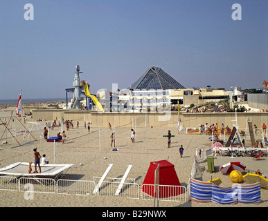 Beach and Aqualud Water Park Le Touquet France Ref GHBF 238 Date 04 10 2007 COMPULSORY CREDIT World Pictures Photoshot - Stock Photo