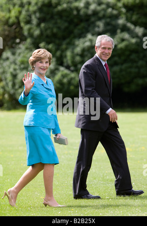 President George W Bush and his wife First Lady Laura Bush in England United Kingdom - Stock Photo
