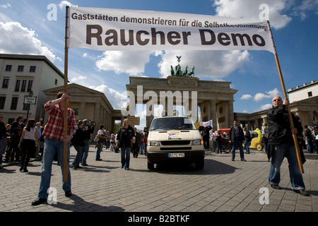 Barkeepers and customers protesting against the ban on smoking in inns, Berlin, Germany, Europe - Stock Photo