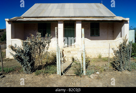 Deserted small house with a corrugated iron roof, Great Karoo, semi-desert region, Cape Province, South Africa, - Stock Photo