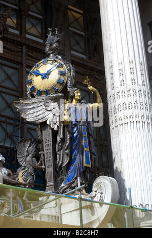 Refurbishing Art Deco Clock Selfridges Oxford Street London - Stock Photo