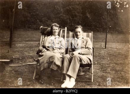 England, Croydon. Vintage photograph, 1928, mother and son, Annie Fairman with Cyril Fairman, sitting in deckchairs. - Stock Photo